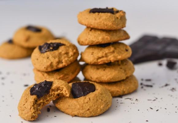Biscuiți proteici cu unt de arahide