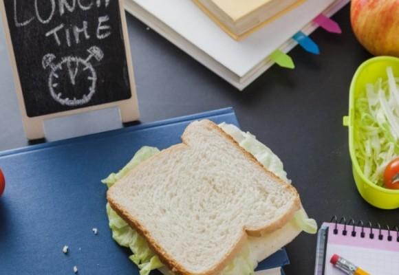 5 idei de gustări sănătoase pentru școală